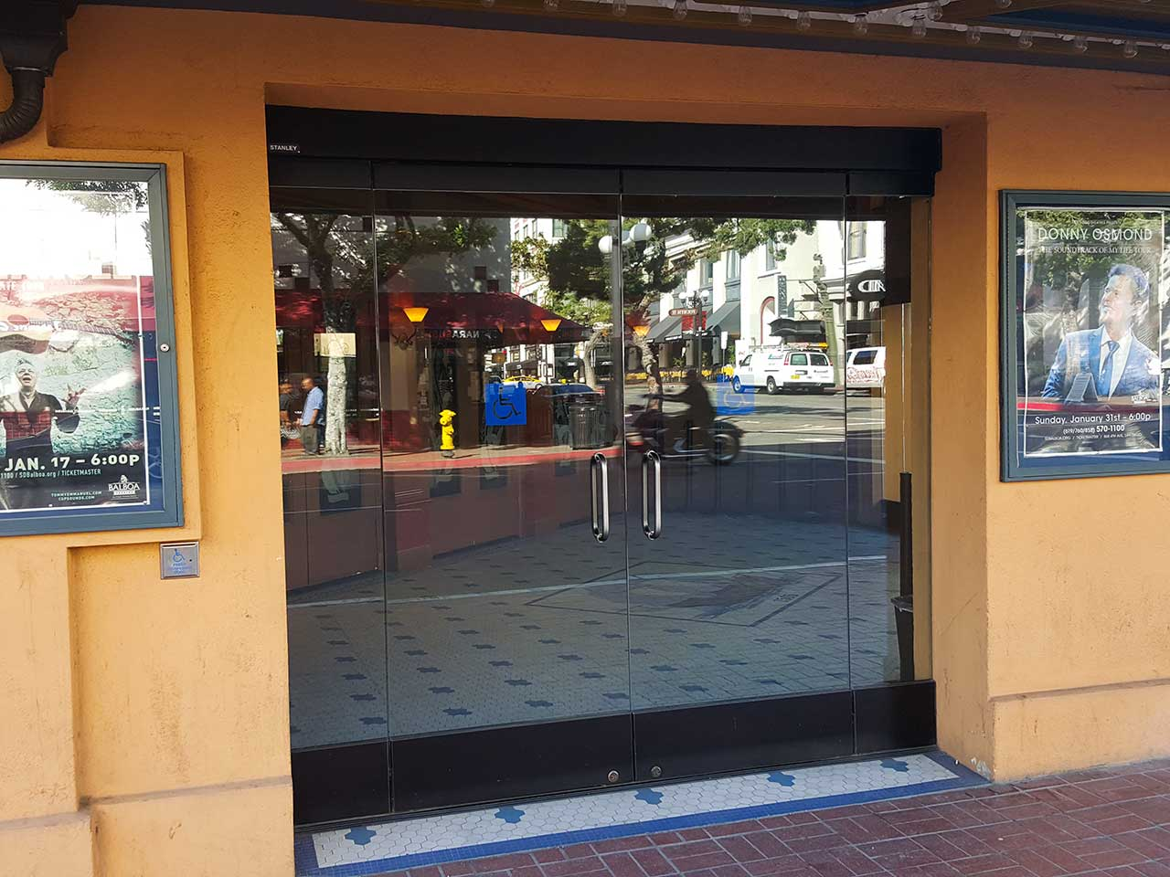 Balboa Theatre's all glass entrance from the outside